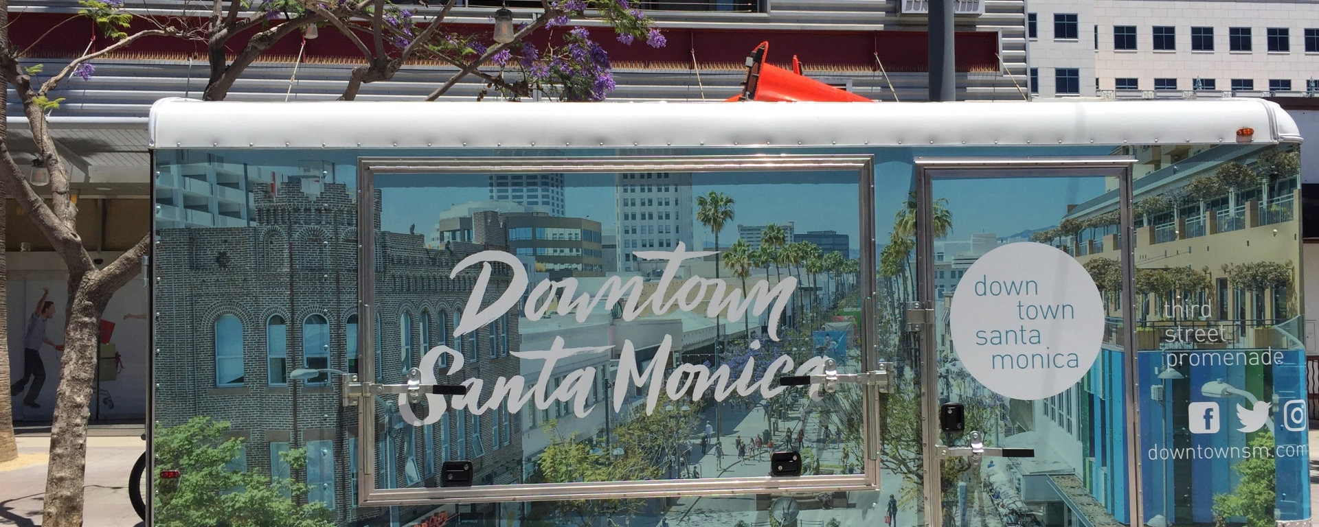 Downtown Santa Monica Shopping, Food and Fun